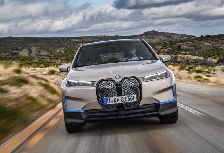 BMW iX. Neues elektrisches Flaggschiff 2022